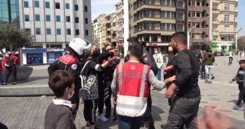 İranlı turist ile seyyar satıcılar birbirine girdi