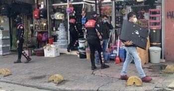 Kucağında çalıntı televizyonla polise yakalandı