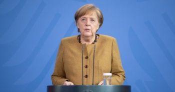 Merkel, AstraZeneca aşısı oldu