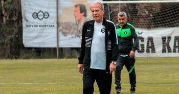Mustafa Denizli, Altay'da ilk antrenmanına çıktı