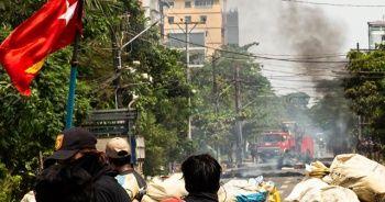 Myanmar'da güvenlik güçlerinin silahlı müdahalesi sonucu ölen sivillerin sayısı 701'e çıktı