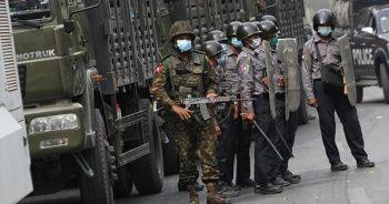 Myanmar ordusu caminin bağış paralarını yağmaladı