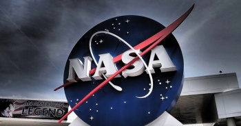 NASA, Ay'a iniş kapsülünün inşası için SpaceX'i seçti