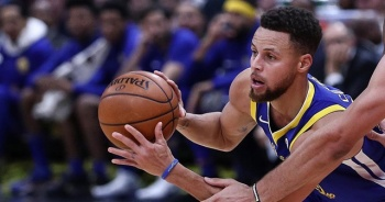 NBA'de Golden State Warriors'ı galibiyete Stephen Curry taşıdı