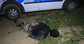 Polisten kaçan sürücü tarlada yakalandı