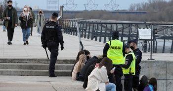 Polonya'da kısıtlamalar gevşetilecek