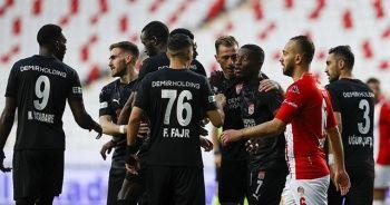 Sivasspor deplasmanda rahat kazandı