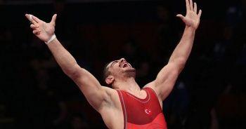 Son dakika... Milli güreşçi Taha Akgül 8. kez Avrupa şampiyonu
