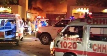 Pakistan'da lüks otelde patlama