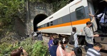 Tayvan'da tren raydan çıktı: 36 ölü, 40'tan fazla yaralı