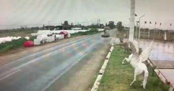 Tire'de otomobil motosiklete çarptı