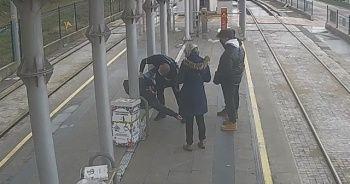 Tramvay durağında can pazarı: Ben gittim beni kurtarın