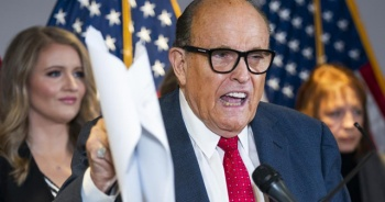 Trump'ın avukatı Giuliani'nin evinde arama yapıldı
