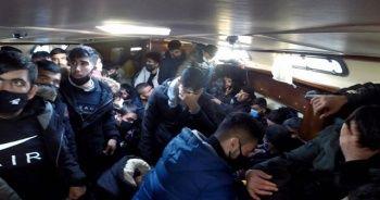 Türk kara sularına itilen 117 sığınmacı kurtarıldı