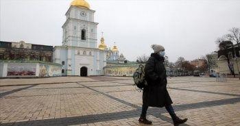Ukrayna Kovid-19 salgınının 3. dalgasından çıkmaya başladı