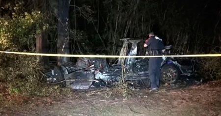 ABD'de Tesla otonom araç kazası: 2 ölü