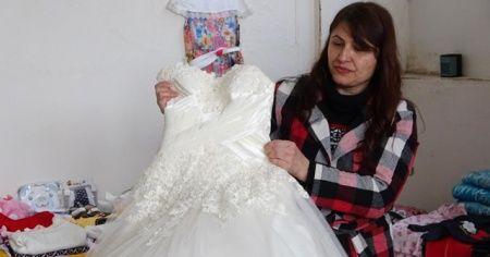 Evlenecek çiftlere bedava gelinlik ve damatlık hediye ediyorlar
