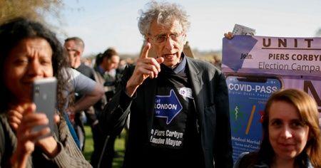 Londra'da Kovid-19 tedbirleri ve aşısı karşıtları yürüyüş düzenledi