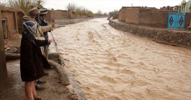 Afganistan'da sel felaketinde 14 kişi hayatını kaybetti