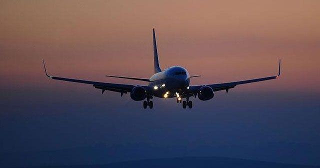 """Belarus'ta bomba ihbarıyla indirilen uçaktaki """"gazeteci"""" gözaltına alındı"""