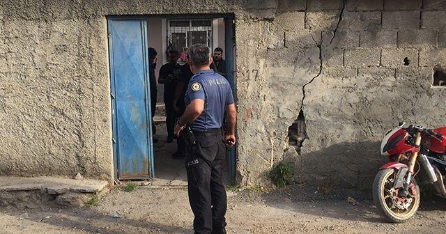 Evde patlama: 1'i çocuk 3 kişi ağır yaralandı