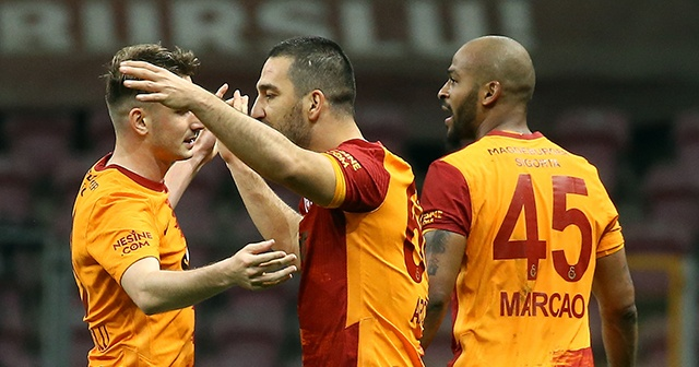 Galatasaray şampiyonluk şansını sürdürdü