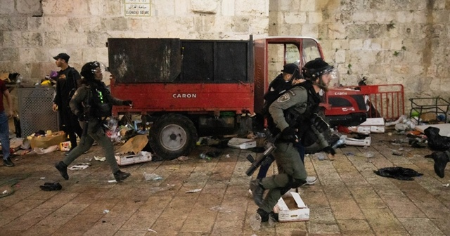 İsrail güçleri, Şeyh Cerrah'ta saldırılarına devam ediyor