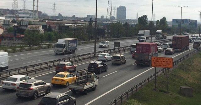 İstanbul'da tam kapanmaya rağmen trafik yoğun