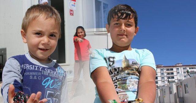 Konteyner kentte kalan depremzede çocukların bayram sevinci