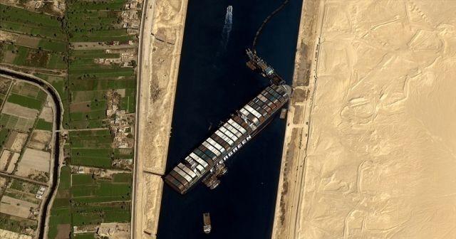Mısır, Süveyş Kanalı'nın tıkayan gemi için istediği tazminatı 550 milyon dolara indirdi