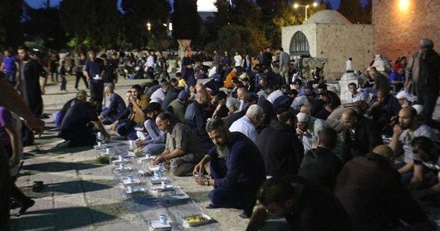 Sadakataşı Kudüs'e destek oluyor