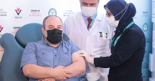 Son dakika: Bakan Varank, yerli aşının 2'nci dozunu oldu