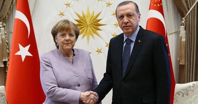 Son dakika:Cumhurbaşkanı Erdoğan, Merkel ile görüştü