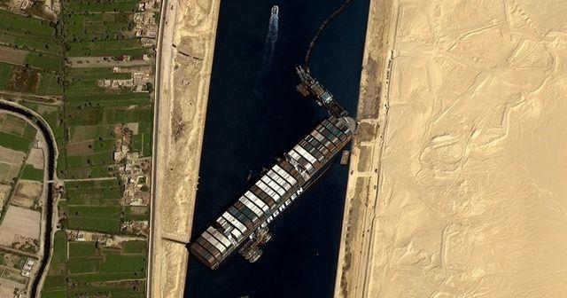 Süveyş'i tıkayan geminin sahibi tazminatı paylaşmak istiyor