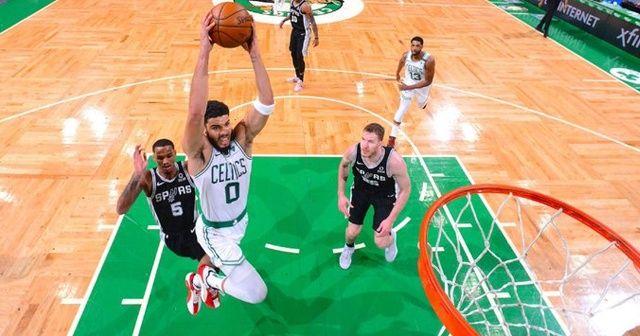 Tatum'un 60 sayısı, Celtics'i Spurs karşısında zafere taşıdı