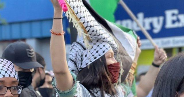 Ünlü model Bella Hadid, Filistin'e destek için sokağa çıktı