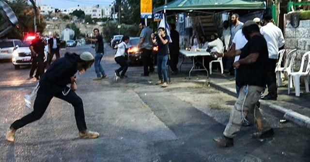 Fanatik Yahudiler, Filistinlilerin evlerine taşla saldırdı