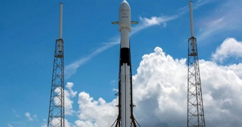 """""""Yıldız Savaşları Günü"""" için 60 uyduyu uzaya yolladılar"""
