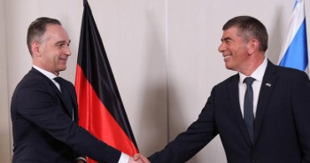 Alman Bakan Netanyahu gibi konuştu
