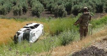 Askerleri taşıyan araç kaza yaptı: 3 yaralı