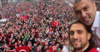 Fransa sokaklarında Türk bayraklarıyla şampiyonluk coşkusu