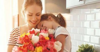 """Google'dan """"Anneler Günü"""" için özel doodle"""
