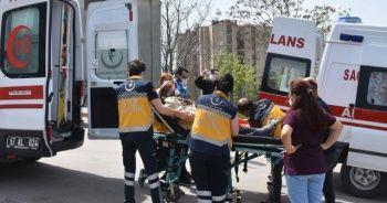 Hasta taşıyan ambulans kaza yaptı