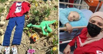 Hayatını kaybeden 10 yaşındaki oğluna aldığı bayramlığı kabrine bıraktı
