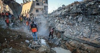 İşgalci İsrail Filistin'i vurmaya devam ediyor