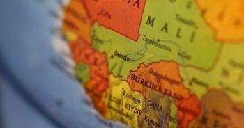 Mali'de geçici hükümetin Devlet Başkanı ve Başbakan istifa etti