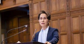 Myanmar'ın devrik lideri, ilk kez duruşmaya çıktı