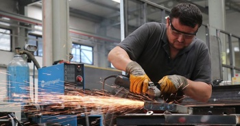 Sanayi sektöründe istihdam arttı