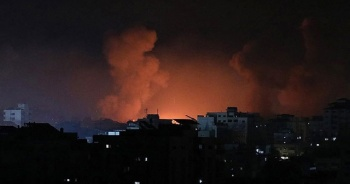 Son dakika: İsrail bakanlığın bulunduğu binayı bombaladı