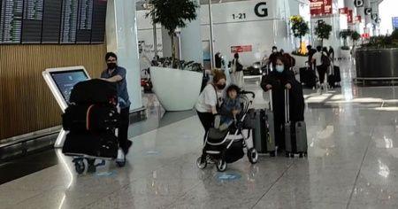 Avustralya vatandaşları bir yıl sonra ülkelerine döndü